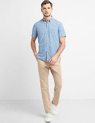 GAP Men Blue Standard Fit Short Sleeve Shirt In Chambray