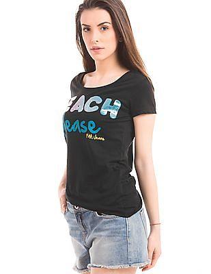 Flying Machine Women Regular Fit Embellished T-Shirt