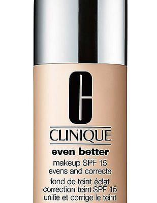 CLINIQUE Even Better Makeup SPF 15 - Butter scotch