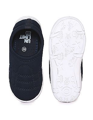Unlimited Boys Round Toe Quilted Slip On Shoes